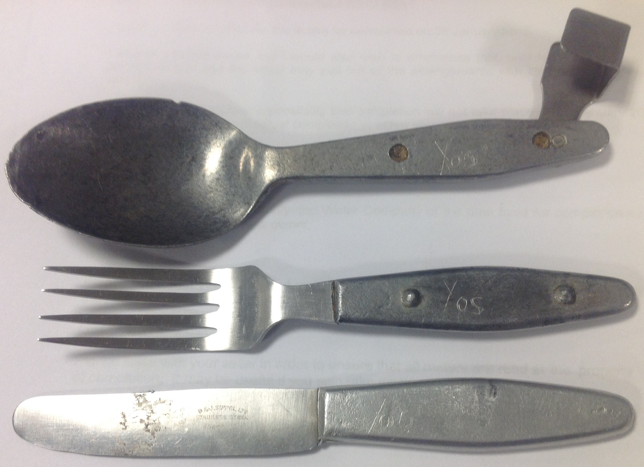 1944 pattern knife fork and spoon set tales from the supply depot. Black Bedroom Furniture Sets. Home Design Ideas