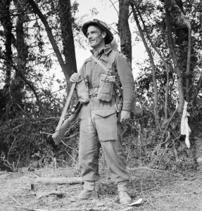 Fusilier_Tom_Payne_from_11_Platoon,_'B'_Company,_6th_Battalion,_Royal_Welsh_Fusiliers,_Normandy,_12_August_1944__B9005
