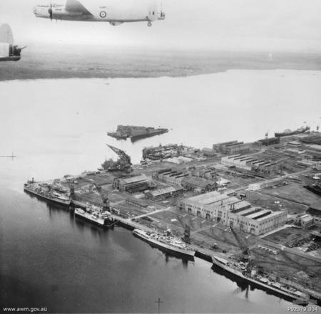 singapore_naval_base_june_1953
