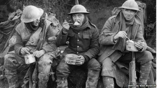 _74383704_q1580_iwm_soldiers_eating