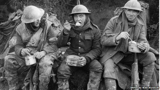 _74383704_q1580_iwm_soldiers_eating